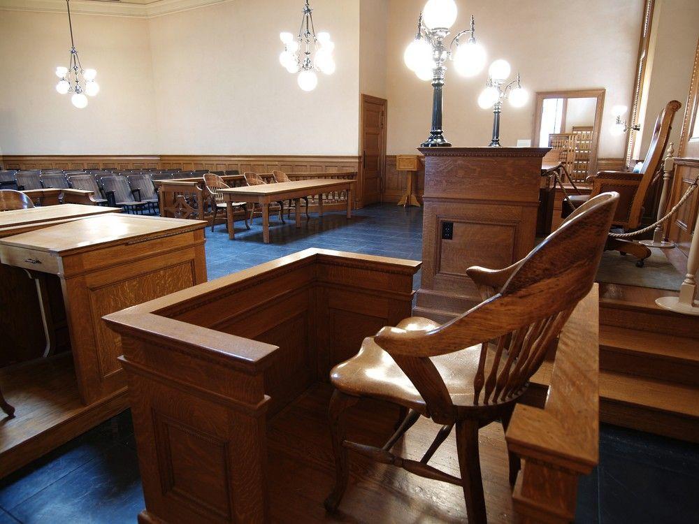 Empty-Witness-Chair.jpg
